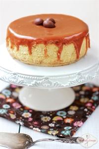 Kremowy sernik chałwowy z białą czekoladą i toffi