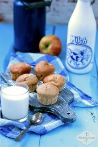 Muffinki pełnoziarniste z jabłkiem
