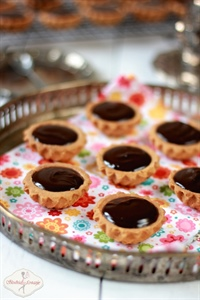 Kruche babeczki z toffi i czekoladą