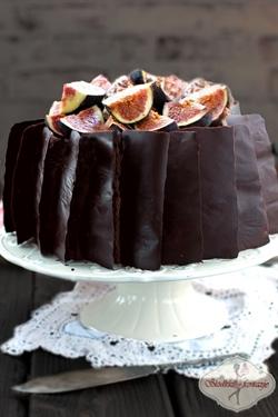 Tort czekoladowo-figowy