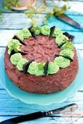 Poprzeczny tort czekoladowo-miętowy