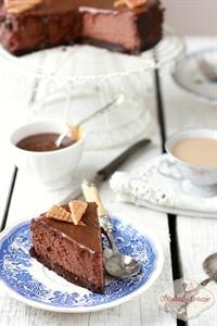 Pyszny sernik czekoladowo-karmelowy