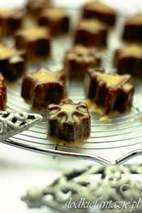 Ciasteczka piernikowe z polewą karmelowo-czekoladową