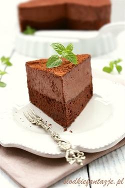 Tort ekstremalnie czekoladowy - z musem czekoladowym i Baileys