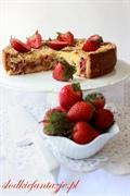 Ciasto kruche z rabarbarem i migdałową kruszonką