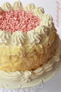Tort śmietankowo-owocowy