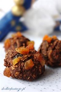Chrupiące ciasteczka czekoladowo-bakaliowe (bez pieczenia)