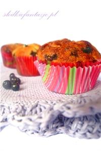 Muffinki z jagodami i białą czekoladą