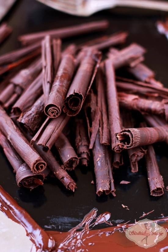 Rurki i inne ozdoby z czekolady