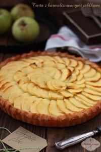 Tarta z karmelizowanymi jabłkami