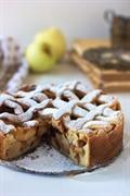 Tradycyjne holenderskie ciasto z jabłkami